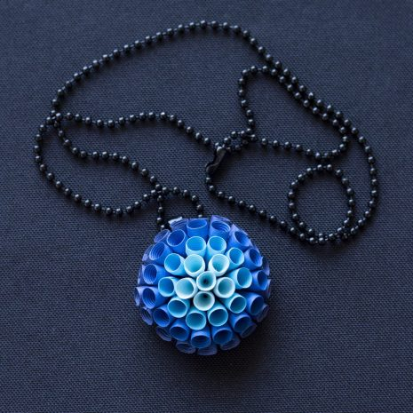 Blue-gradient-anemone-pendant-chain