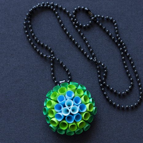 Blue-green-gradient-anemone-pendant-chain