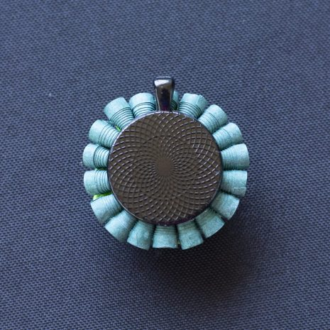 Green-gradient-anemone-pendant-back