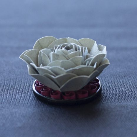Grey-kirigami-rose-pendant-side