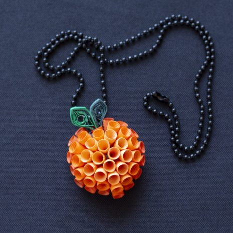 Peach-quilled-fruit-anemone-pendant-chain